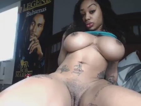 Black woman for money flaunts forms on webcam фото